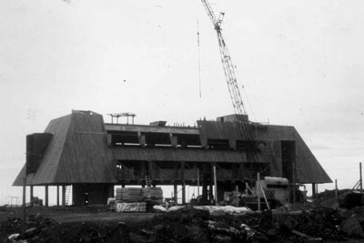 Construction of Kewalo Marine Lab in 1972.